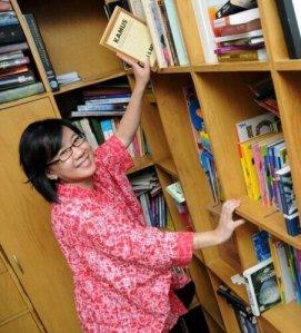 Clara Ng. Foto ini diambil dari Twitter-nya.
