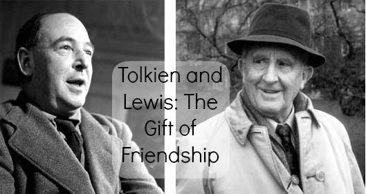 Sepasang sahabat: CS Lewis dan Tolkien.