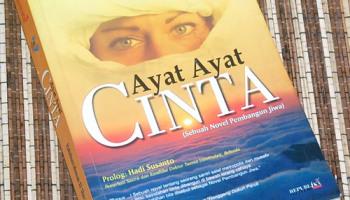 b3-2013-08-30-novel-habiburrahman-el-shirazy-ayat-ayat-cinta-ctk-16a