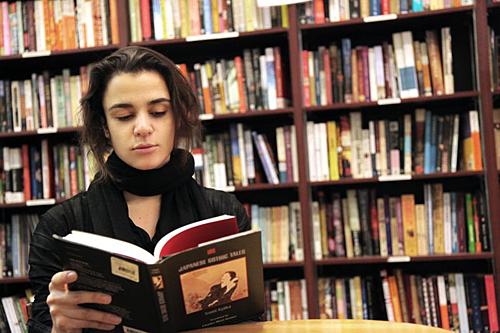 anak muda suka baca | collegefashion.net